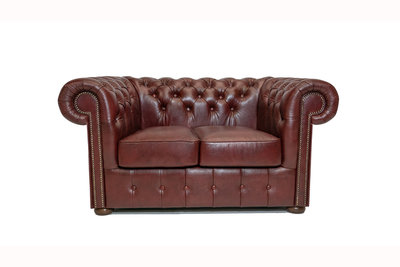 Chesterfield Sofa Class Leather | 2-seater | Cloudy Red | 12 years guarantee