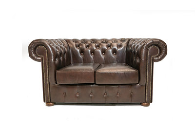 Chesterfield Sofa Class Leather | 2-seater | Cloudy Brown Dark | 12 years guarantee