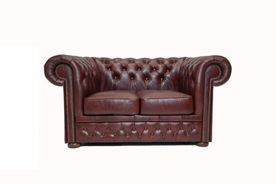 Chesterfield Sofa  First Class Leather | 2-seater | Cloudy Red | 12 years guarantee